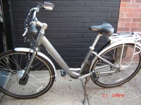 GIANT ELECTRIC BIKE 2
